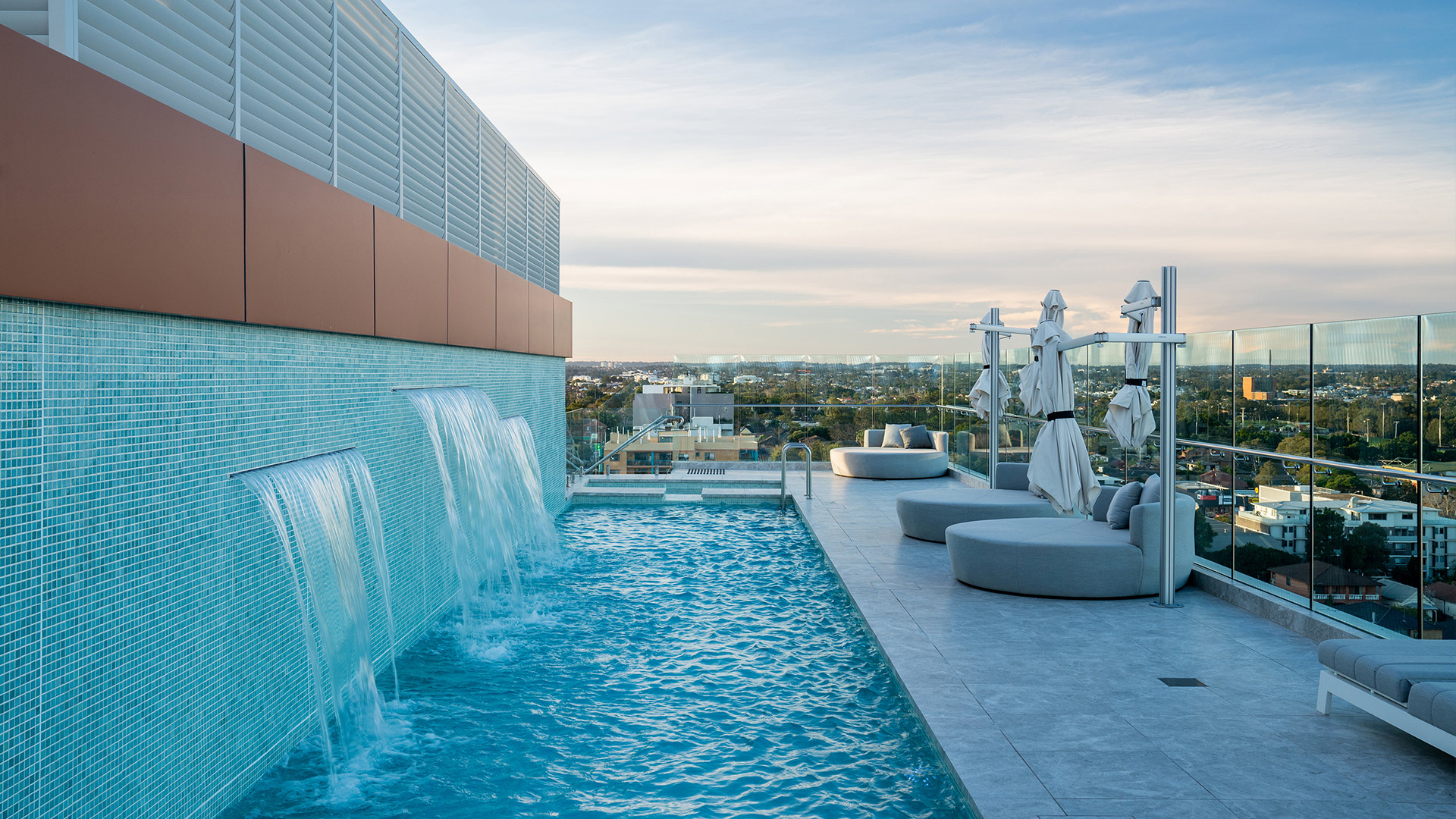 Conquest™ Crowne Plaza pool