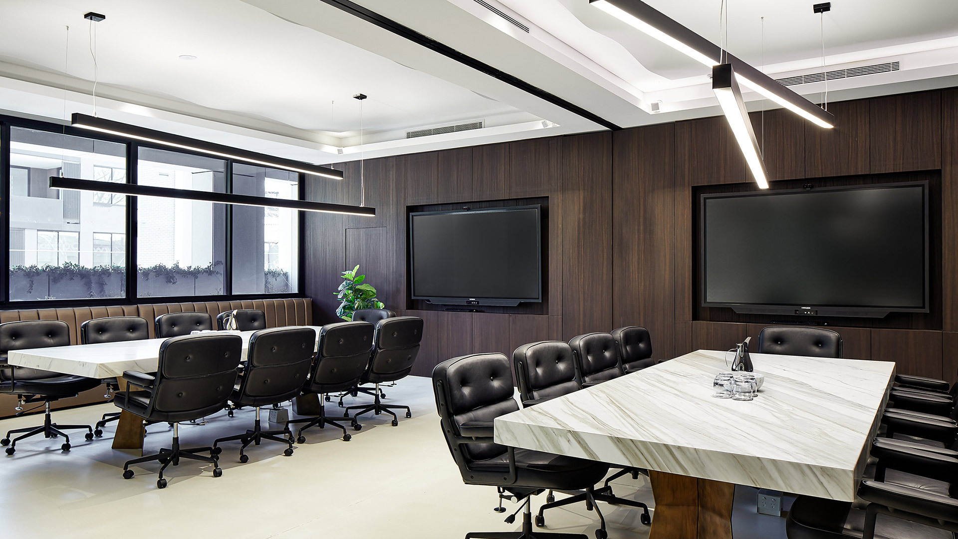 Conquest™ office